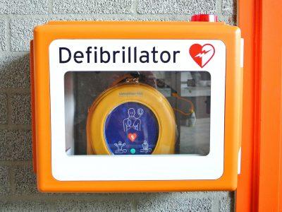 first aid courses in brisbane - defibrillator